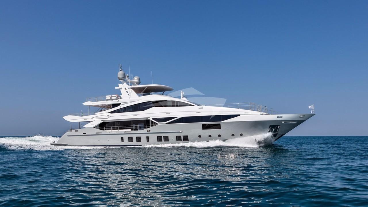 Yacht H