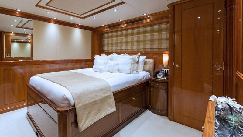 Guest Starboard Forward Cabin