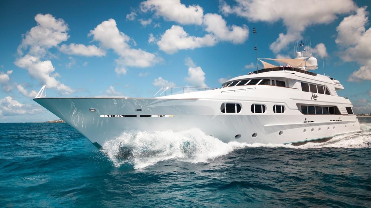 Yacht ATTITUDE