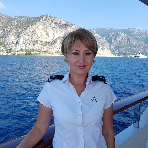 Stewardess: Rodica MARGINEANU