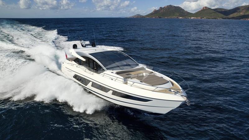 94' Horizon Yacht for Charter - Flybridge
