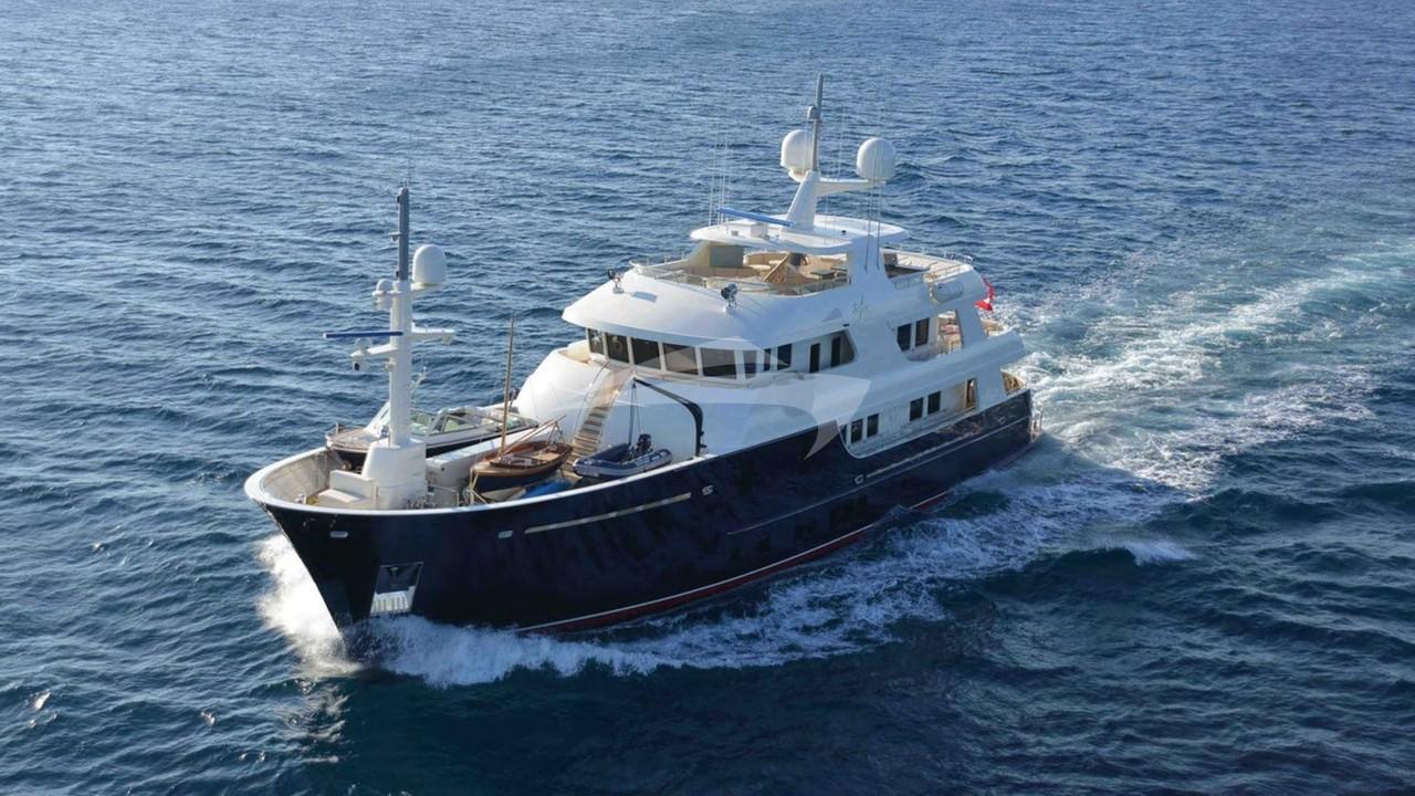 Yacht SAFIRA